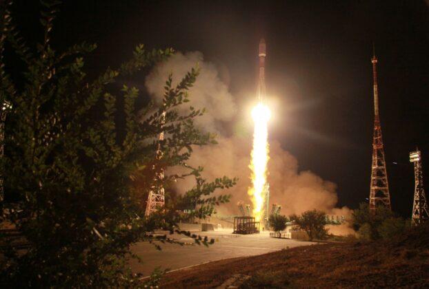 پرتاب موفق ۳۴ ماهواره جدید وان وب: تلاش برای رقابت با استارلینک اسپیس ایکس